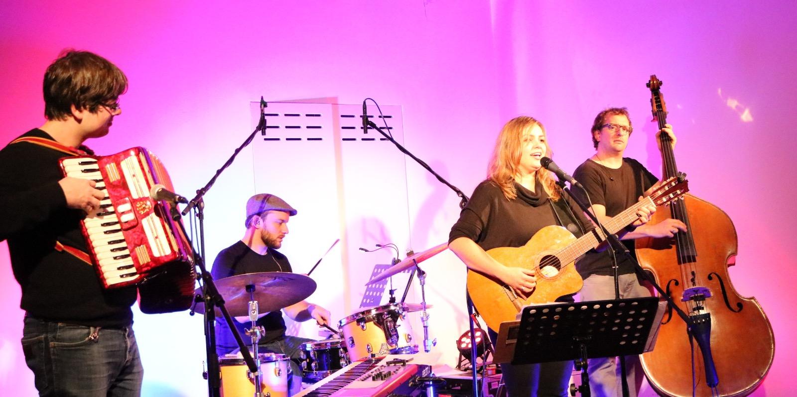 Fee Badenius & Band